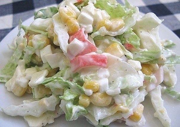 Салат из пекинской капусты с крабовыми палочками рецепт